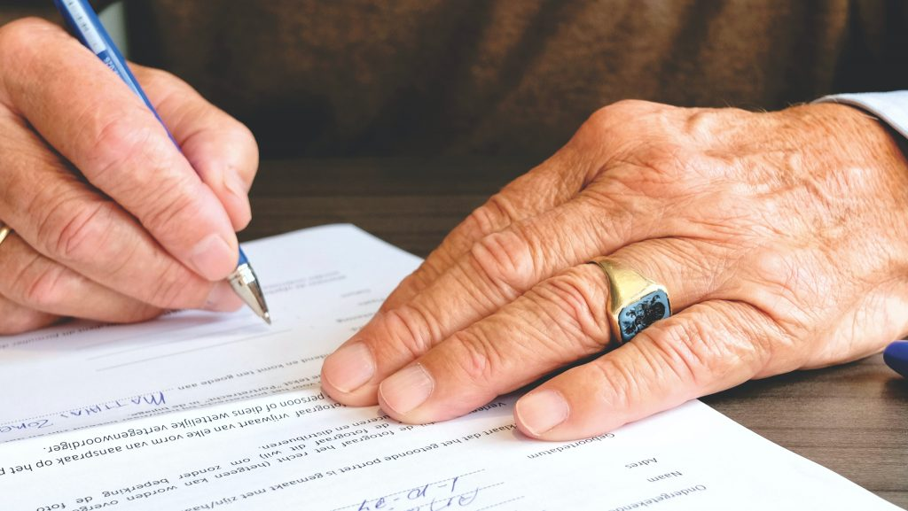 Signing a will | estate planning